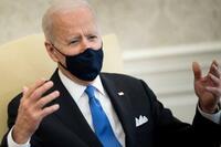 米大統領、マスク緩和批判