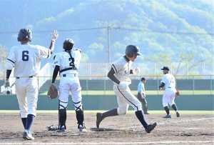 福井商業が勝山を逆転、2回戦へ