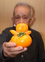 バンザイする柿
