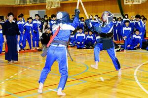 森田中全校生徒、伝統の剣…