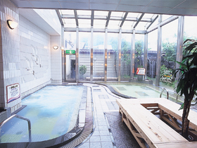 天然温泉をはじめ、リラクゼーション施設も充実