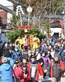 豊作祈る伝統の山車、華やかに巡回