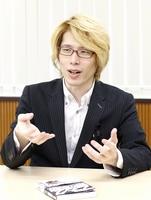 教育現場の働き方改革を進めるべきだと話す内田良准教授=東京都内
