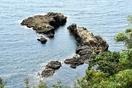 南越前町の海に奇岩「日本列島」