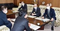議員削減「議論続ける」 要望の区長連合会に回答 敦賀市会