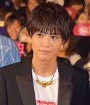 岩田剛典、撮影中のサプライズ誕生会に感激 粋な演…