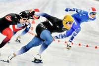スピードスケート、小坂龍が優勝