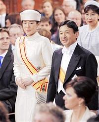 日本と世界の懸け橋に 写真でみる新天皇家の歩み (4)国際舞台編