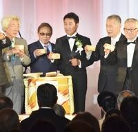 五木ひろしさん歌手生活55年祝う