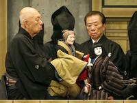 人間国宝、吉田簑助さん今月引退