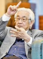 「若者同士で活発に議論してほしい」と語る益川氏=18日、福井市のユアーズホテルフクイ