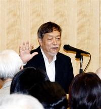 小説生む秘訣語る 芥川賞作家・池澤さん 県立図書館で講演