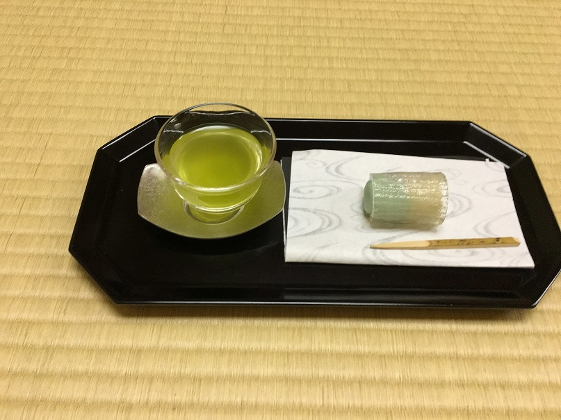 テーブルで楽しむ 茶道(煎茶道静風流)立礼式