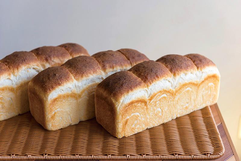 職人と石窯が対話して生まれるパン