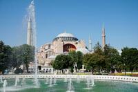 トルコ旧大聖堂をモスク化