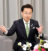 「福井は一つ」重責 新知事に杉本氏 本社で抱負 新幹線全線開業へ尽力 統一選ふくい