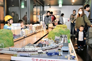ジオラマ館2階に展示されている福井市の模型愛好家の手による鉄道ジオラマ