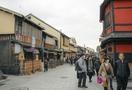 新型コロナウイルス、外国人客が減った観光地の反応