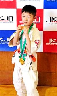小学1年男子 県勢嶋田君V 空手道JKJO全日本ジュニア北陸地区代表選抜