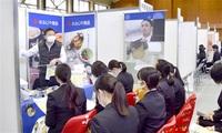 越前市内の46社 学生に強みPR 仁愛大で武生会議所など