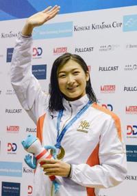 競泳、池江が100自で日本新