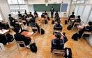 福井で県立高校入試、机の間隔広げ