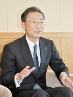 「核燃料サイクルは必要」と語る金井豊社長=富山市の北陸電力本店