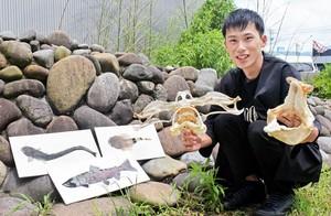 魚や河川環境の情報をイベントやSNSで発信している福井県内水面漁連技師の中野光さん=福井県福井市内