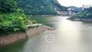 ダム湖の男性遺体、胸部に刺し傷集中