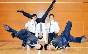 福井県警の男性警察官らが結成したダンスチーム「ポリリズム」