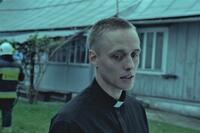『聖なる犯罪者』出来心の嘘で勘違いされ…