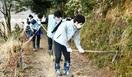 中池見湿地保全へ 遊歩道の清掃に汗 敦賀、信金…