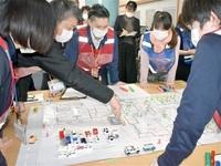 永平寺町で福祉避難所図上訓練 コロナ下運営 動線確保が鍵 人手、衛生管理 課題洗い出し レッドゾーンへ 臨機応変 子どもも想定を