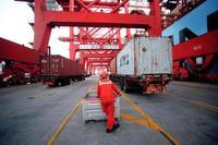 中国、10月の貿易黒字7%増