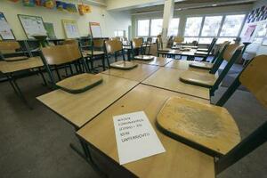 休校で空になったドイツ西部の学校の教室=2020年4月2日(ゲッティ=共同)