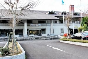 経営会社が民事再生法の適用を申請した「わかさカントリー倶楽部」=2日、福井県若狭町