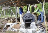 地域交流の場に、住民が手作り石窯