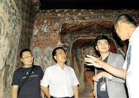 中国研究者 精巧さ確認 雲崗石窟グループが視察 クローン文化財展