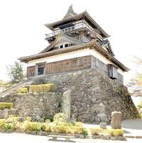 丸岡城、大規模改修へ 耐震、天守土台と基礎固定 坂井市が来年度着手