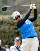 女子ゴルフ、申ジエが首位守る