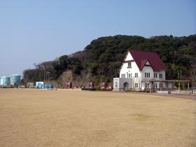 敦賀港の礎を築いた大和田氏の別荘を休憩所として復元