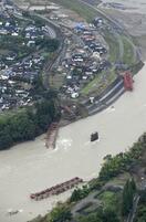 「大型サイド」豪雨被害 道路、鉄道橋20カ所流失