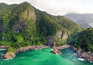音海大断崖=7月16日、福井県高浜町音海(日本空撮・小型無人機ドローンで撮影)