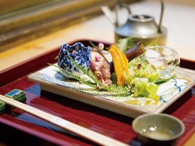 料理に合う日本酒やワインも豊富