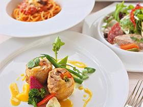 オープンキッチンでつくる、イタリア料理の数々