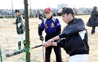 野球一筋、中学野球部に88歳コーチ