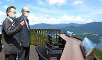 福井、石川 広域観光で連携 両知事懇談 誘客向け具体的提案も 周遊ルートPR、ガイド本…