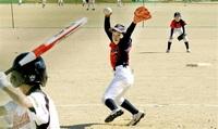 本郷、なつめなど4強 頂点へ 15チーム熱戦 ソフトボール 福井市少年男子新人