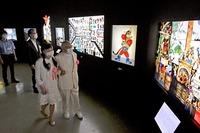 光の芸術家、藤城清治さんの幻想的影絵 「光の世界メルヘン展」福井市美術館で7月20日開幕