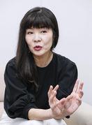 美化する日本は特異 「世界一孤独な日本のオジサ…